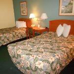 Camas Queen Bed