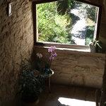 Les escaliers avec vue sur le jardin