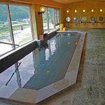 飛騨川を一望できる展望大浴場