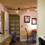 Full Kitchens - Utensils and all