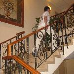 Debíamos subir un piso por escalera hasta nuestra habitación.
