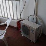 Aire acondicionado en el balcon