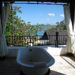 Bathtub with ocean view....pure luxury