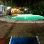 Il Cabana Elke by night