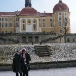 Vor Schloß Moritzburg