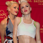 Gwen Stefani meets her wax double. © RD/ Kabik/ Retna Digital