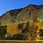 Fachada Cuevas Bardeneras