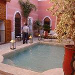 photo de la piscine et du spa