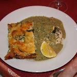saumon et sa sauce au basilic
