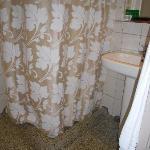 baño privado habitación triple