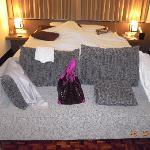 King sizes bed and sofa for the deluxe room