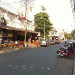 Rachadamnoen Road