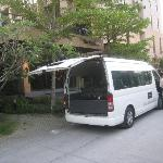 Cottage has their own van for free airport transfer.