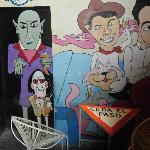 Arte en los muros: Drácula, Saw,  Cantinflas, Cucho y otros