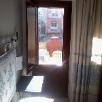 Vista del letto e terrazzino