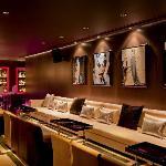 Embassy Dubai, Champagne Lounge