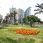 Larco Shopping is underground from this park; 3 short blocks from Ibis