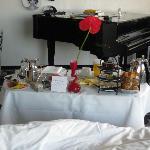 Zimmer frühstück und Flügel
