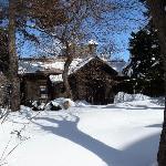 雪の中の清華亭