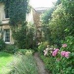 Cottage 15 mins from Bath free entry to Bath Aqua Glass blowing factory