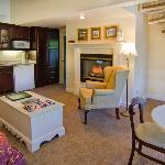 Elegant Two Bedroom Whirlpool Suite