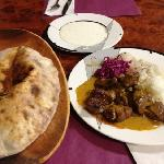 lamb curry with fresh bread