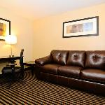 Quality Inn Escondido Hotel Suite