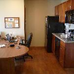 3rd Floor 1 Br Suite