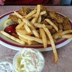 Photo de Skip One Beach Seafoods