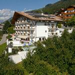 Hotel Hirzer Schenna-Meran