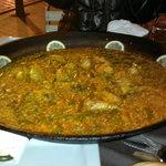Ottima paella alla valenciana (prenotare!)