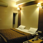 AC DOUBLE BED ROOM