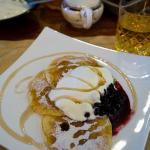 lemon-infused pancake, berries & cream