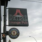 Bridge Lounge Pub