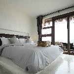 Room @ Beachfront Bungalow 1