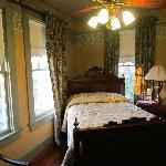 Dickason room (the smallest room)