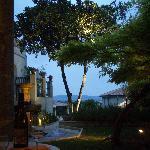 avond vanaf terras pezenassuite