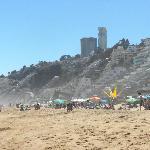 Reñaca, una playa en donde uno no se puede bañar, sólo solerase.