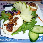 Goat cheese and walnut salad, delicious !