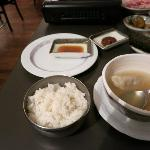白いご飯と餃子スープ