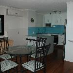 14b Dining room looking to kitchen/brunch bar area