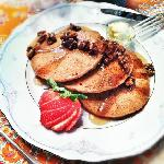 Gingerbread Pancakes With Candied Vanilla Pecans