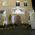 Piazza dell Signoria at night