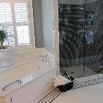 English Bath: seperate rain shower and whirlpool air-tub.