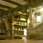 sotto alle sale del ristorante: le cantine, paradiso per gli amanti del buon vino