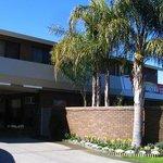 Garden Court Motel