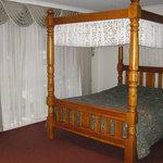 Sanctuary House Motel