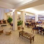 bar - fireplace corner