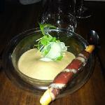œuf mollet émulsion aux morilles et royale de foie gras