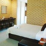 Avondel Motor Inn and Motel